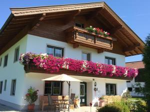 Landhaus Schwentner - Hotel - Kössen