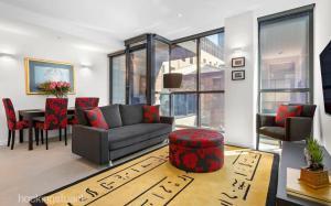 Mark's Luxury CBD Apartment