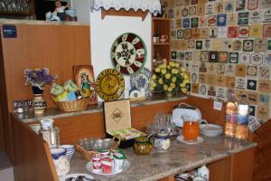Pension Family Fábsits, Bed & Breakfast  Hévíz - big - 66