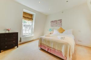 Stanhope Mews Apartment - London