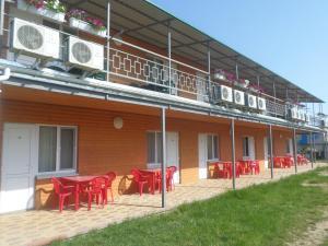 Отель Золотой берег, Каролино-Бугаз