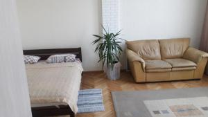 апартаменти на архипенка, Ferienwohnungen  Lemberg - big - 1