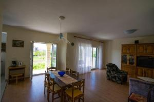 Apartments with a parking space Trogir - 15316, Apartmanok  Trogir - big - 2