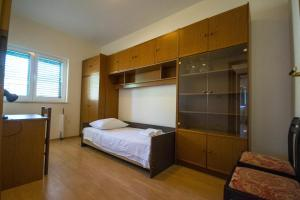 Apartments with a parking space Trogir - 15316, Apartmanok  Trogir - big - 4