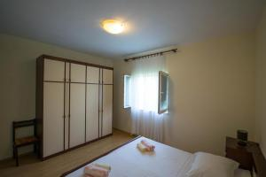 Apartments with a parking space Trogir - 15316, Apartmanok  Trogir - big - 10
