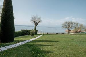 Residence Holiday Sirmione B8 - AbcAlberghi.com