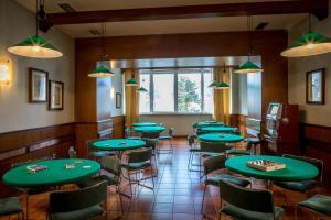 Hotel 5 Miglia, Отели  Ривизондоли - big - 59