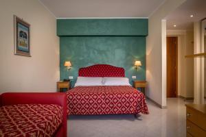 Hotel 5 Miglia, Отели  Ривизондоли - big - 38
