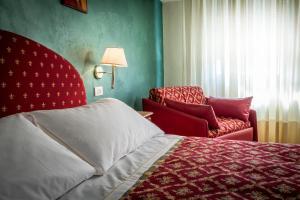Hotel 5 Miglia, Отели  Ривизондоли - big - 36
