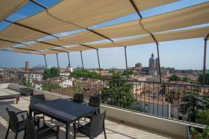 M14 Teatro Verdi Terrace Apartment - AbcAlberghi.com