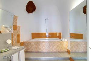 Santorini Secret Suites & Spa (26 of 118)