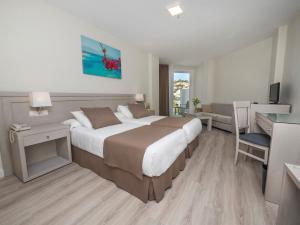 Hotel Helios - Almuñecar, Отели  Альмуньекар - big - 33