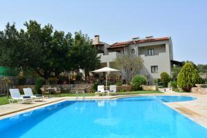 Hostels e Albergues - Elianthos Villas