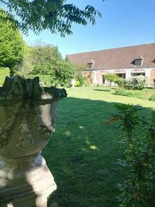 La Cour d'Hortense, Bed & Breakfast  Sailly-Flibeaucourt - big - 49