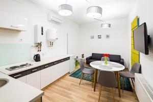 Apart Hotel Code 10, Aparthotely  Lvov - big - 62