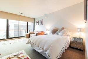 Celeste - Beyond a Room Private Apartments, Апартаменты  Мельбурн - big - 13