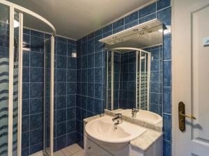 Maison De Vacances - Blanquefort-Sur-Briolance 1, Nyaralók  Saint-Cernin-de-l'Herm - big - 9
