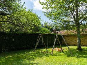 Maison De Vacances - Blanquefort-Sur-Briolance 1, Nyaralók  Saint-Cernin-de-l'Herm - big - 12