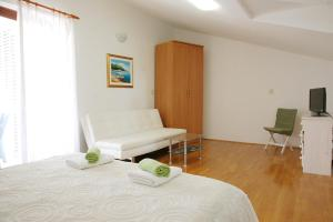 Beach Step Apartment, Apartments  Poreč - big - 21