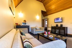 Distinction Te Anau Hotel & Villas (1 of 59)