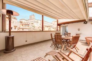 Amazing attic in with terrace in Fontana di Trevi - abcRoma.com