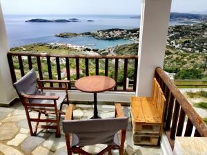 Dream House Βatsi Andros Greece