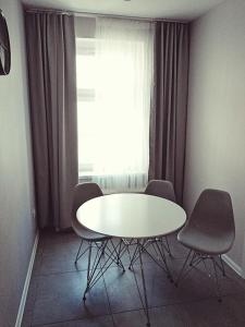 Penguin Rooms 3223