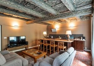 Historical Apartment between Prague Castle and Charles Bridge