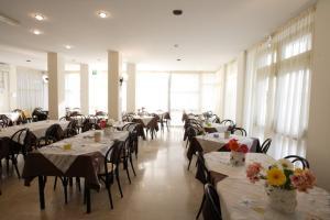 Hotel Tosi, Szállodák  Riccione - big - 66