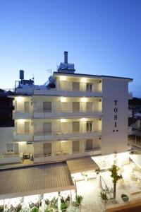Hotel Tosi, Szállodák  Riccione - big - 55