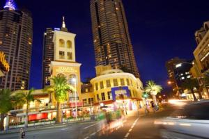 The Towers of Chevron Renaissance - Holidays Gold Coast