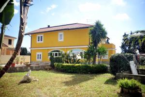 Yellow Villa - AbcAlberghi.com