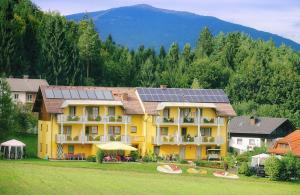 Gästehaus Götz - Accommodation - Drobollach am Faakersee
