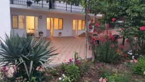 Guest House on Demerjipa