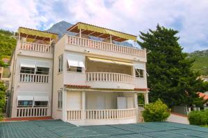 Apartments Sanda