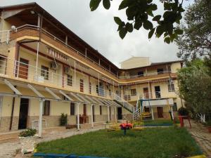 Guest House Bujari - Radhimë