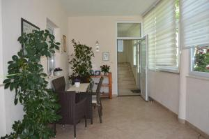 Rooms & Apartments Villa Anka, Апартаменты  Тучепи - big - 125