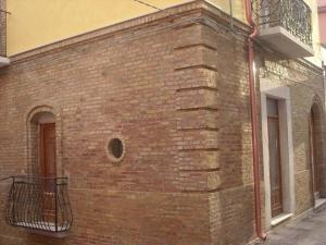graziosa casetta a Lesina - AbcAlberghi.com