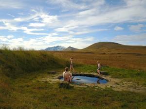 Laugarfell Accommodation & Hot Springs - Valþjófsstaður