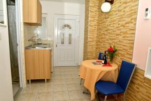 Apartments Okuka, Apartmány  Tivat - big - 9