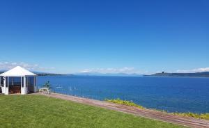 obrázek - Spectacular Lakefront Home