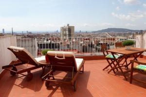 Friendly Rentals Gaudi Attic