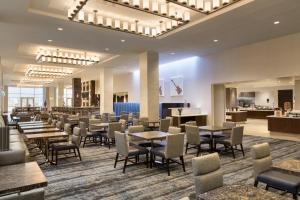 Embassy Suites By Hilton Denton Convention Center, Hotel  Denton - big - 16