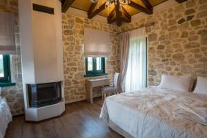 Deluxe Δίκλινο Δωμάτιο με 1 διπλό ή 2 μονά κρεβάτια - με θέα στον Ποταμό