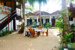 Star Rest Beach Hotel - Mahakalugolla