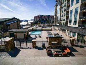 Sheraton Condominium 704 - Apartment - Steamboat