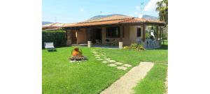 Olmy-Villa 550mt dal mare - Фонди