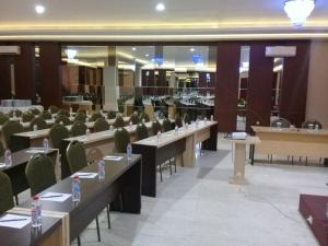 City Hotel, Hotel  Tasikmalaya - big - 44