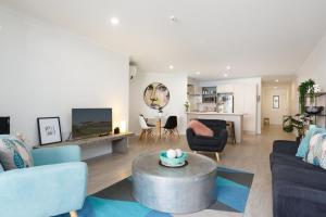 obrázek - Stylish and Spacious, Downtown Mount Maunganui