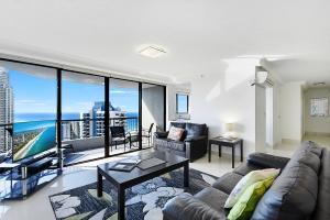 Surfers Century Oceanside Apartments - Gold Coast